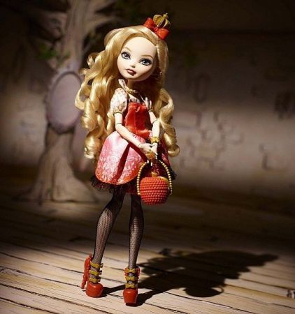 Mattel Ever After High Apple White BBD52